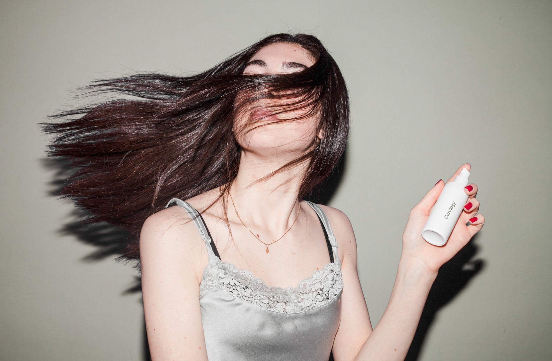 How to Tame Your Unmanageable Frizzy Hair